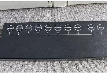 Freies Verschiffen Beste Qualität 8CH DMX Splitter DMX512 Licht Bühne Lichter Signal Verstärker Splitter 8 Weg DMX Distributor