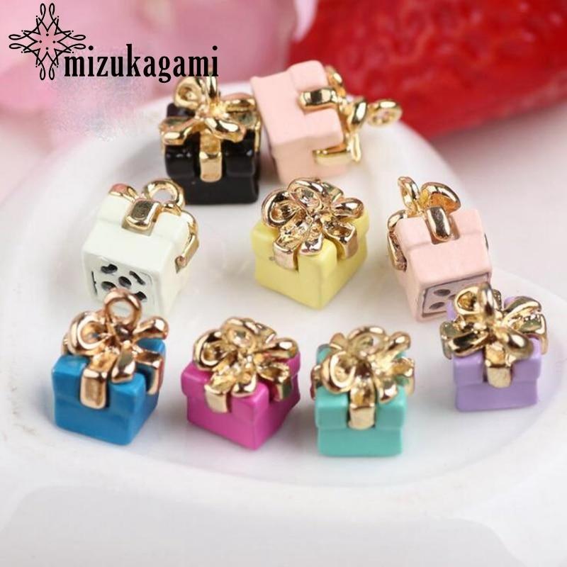 Ze stopu cynku emalia Charms cukierkowe kolory 3D prezenty świąteczne Charms 10 sztuk/partia dla DIY akcesoria do wyrobu biżuterii