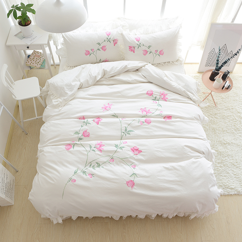 Embroidery Princess Bedding Sets Luxury Pink Ruffles Bed Skirt Solid Color Duvet Cover Bedspread Bedclothes Bed Linen Cotton