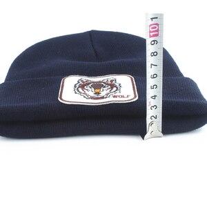Image 3 - Yeni kurt hayvan bere erkekler sıcak örme kışlık şapkalar kadınlar için Gorra Hip hop Skullies Bonnet Unisex kap Dropshipping
