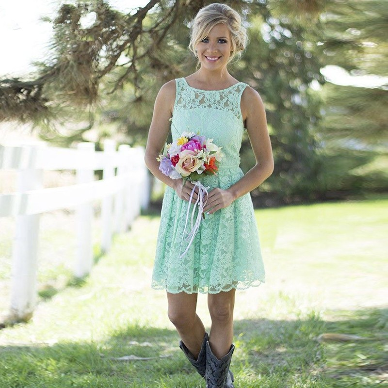 Country Western Mint Green Lace Bohemian Bridesmaid Dresses Beach Scoop Neck Short Wedding Guest Party Gown