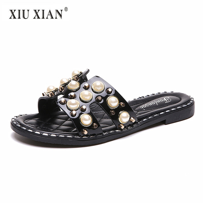 b5ab2ed2cef621 2018 Summer New Luxury Crystal Lovely Lady Outside Slippers Non Slip  Comfortable Vacation Beach Shoe Fashion Women Home Slippers