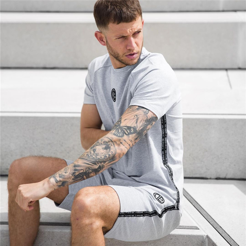 New Men's Tracksuit Summer T Shirt Set Short Sleeve Track Suit T Shirt+shorts Fitness Men Tracksuit Jogging Homme Sportswear Sui