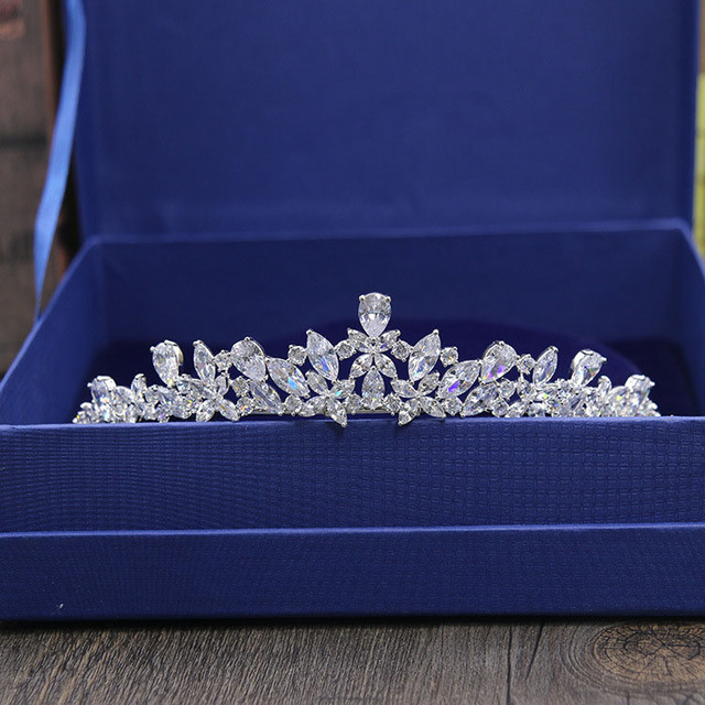 SLBRIDAL מדהים מעוקב זירקון חתונה נזר CZ כלה סרט מלכת נסיכת תחרות מסיבת כתר השושבינות נשים תכשיטים
