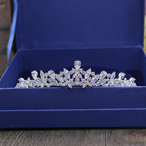 Image 1 - SLBRIDAL Tiara de boda de zirconia cúbica, corona de Reina, desfile de princesa, dama de honor, joyería para mujer