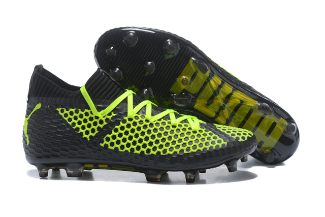 23c2f1da7ae PUMA Future 18 Netfit On off FG AG Men s Badminton Shoes Sports Sneakers  Size39-45