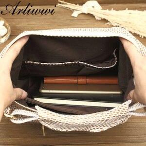 Image 5 - Arliwwi 100% en cuir véritable brillant Serpentine sacs à bandoulière grand décontracté doux réel serpent en relief peau grand sac sacs à main femmes GB02