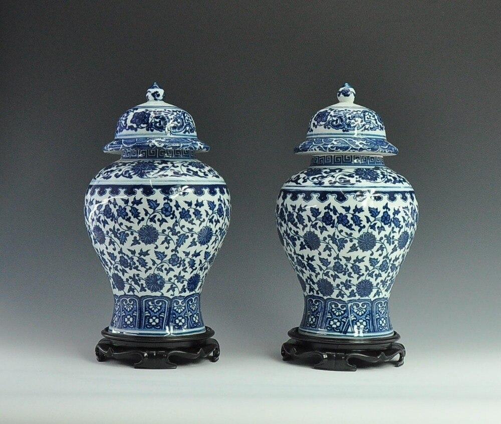 Jeden pár čínských dekorativní starožitné imitace modré a bílé keramické porcelánové zázvorové sklenice