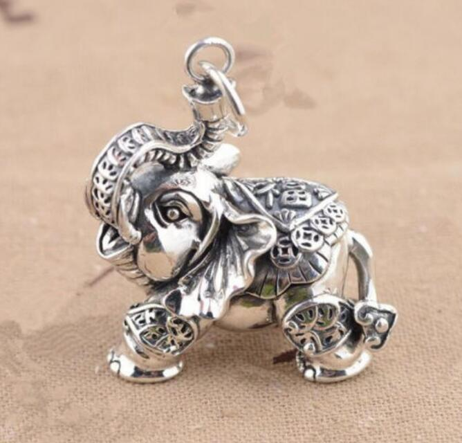 Exquisite Tibetan silver carving elephant small pendant