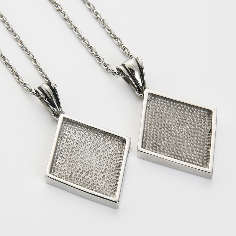 EdgLifU Mens Necklace Vintage Casting Punk Biker 1 er Pendant Necklace Stainless Steel Motorcycle Long Necklace For Men in Chain Necklaces from Jewelry Accessories