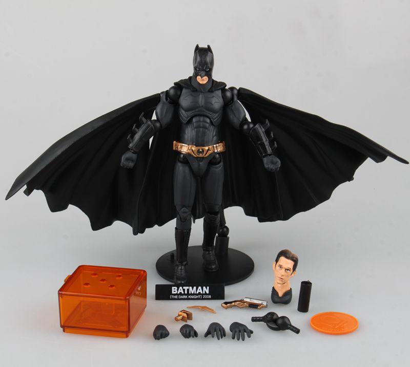 SCI-FI Revoltech Series 008# Batman Figure Juguetes PVC Action Figure Collectible Model Toy Kids Toys Brinquedos 16cm KB0732 neca marvel legends venom pvc action figure collectible model toy 7 18cm kt3137
