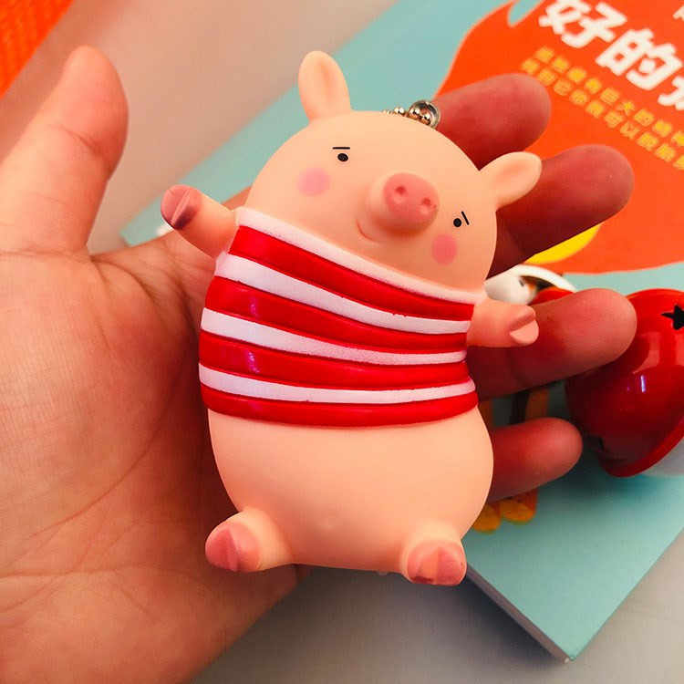 Bonito de Pele de Coelho Pom Pom Corrente Chave Animal Dos Desenhos Animados Pvc Porco Saco pompom chaveiro Llavero Chaveiro Coração Chaveiro Som pingente charme