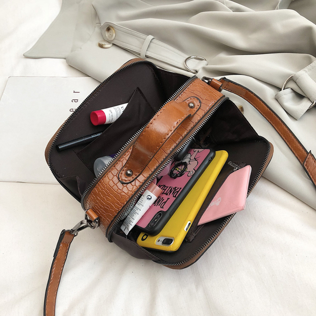 Solid Pattern Leather Crossbody Bag