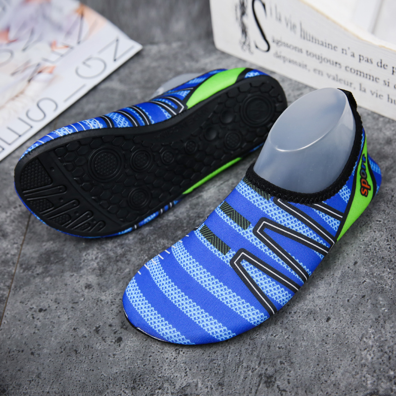 bff253d8c1a8 Summer Water Shoes Men Slip On Comfortable Thin Bottom Men Aqua Shoes  Classic Black Couple Fitness Shoes Seaside Walking Shoess -in Men s Casual  Shoes from ...