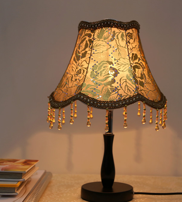 Small Decorative Lamp: European Table Lamp Bedroom Simple Modern Fashion