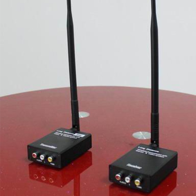 2.4Ghz HIFI Digitale Senza Fili Audio Video Adattatore Ricevitore di Musica Wireless Wifi Trasmettitore Ricevitore DC 12V con 3.5 millimetri cavo Audio