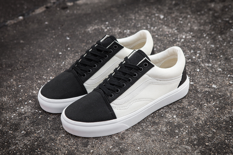 455dea0044 US $49.0 |Vans classic old skool black white men low top canvas shoes  skateboarding casual shoes free shipping-in Sneakers from Mother & Kids on  ...
