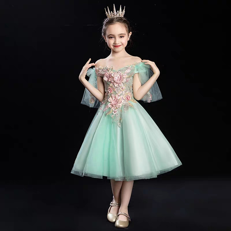 Korean Sweet Little Girls Children Fashion Shoulderless Birthday Evening Party Fluffy Ball Gown Dress Toddler Infant Tutu DressKorean Sweet Little Girls Children Fashion Shoulderless Birthday Evening Party Fluffy Ball Gown Dress Toddler Infant Tutu Dress