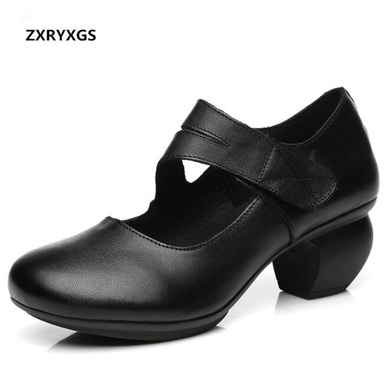 Hot Selling 2019 New Spring Elegant Soft Comfortable Genuine Leather Shoes Woman Shoes Pointed Retro Thick