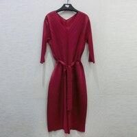Changpleat 2018 женщин платье Miyak leated оригинальный дизайн v образным вырезом свободные 3/4 рукав большой Размеры женские платья модные однотонные пр