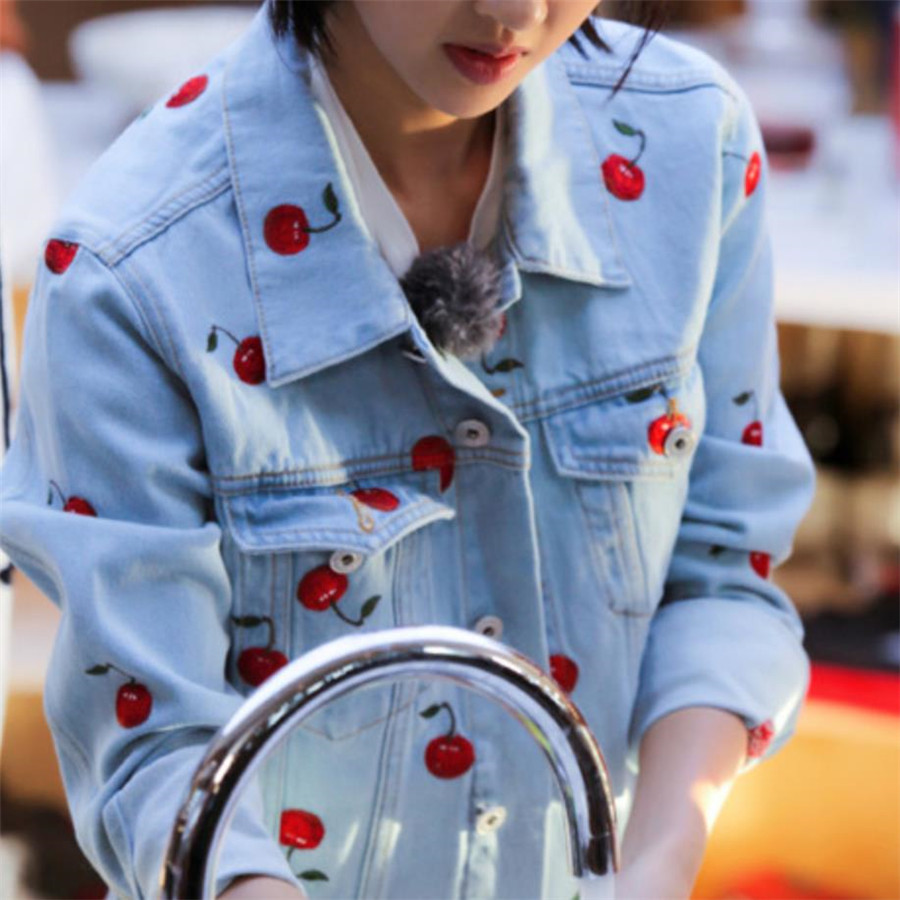 New Spring Autumn All-match Women's Outwear Sequins Cherry Embroidery Loose Denim Jacket Jean Coats H157 image