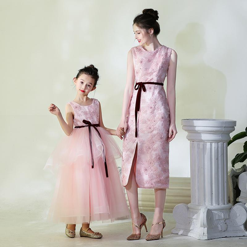 6a71da9b Mother Daughter Runway Dress Kids Girls Embroidery Evening Ball Gown Mom  and Me Wedding Dress Family