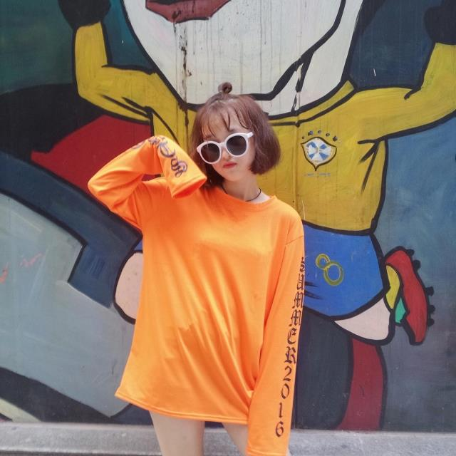 HTB1HhghMVXXXXXeXpXXq6xXFXXXI - Oversize Design Super Long Sleeve Printed Hip Hop Female T-shirt