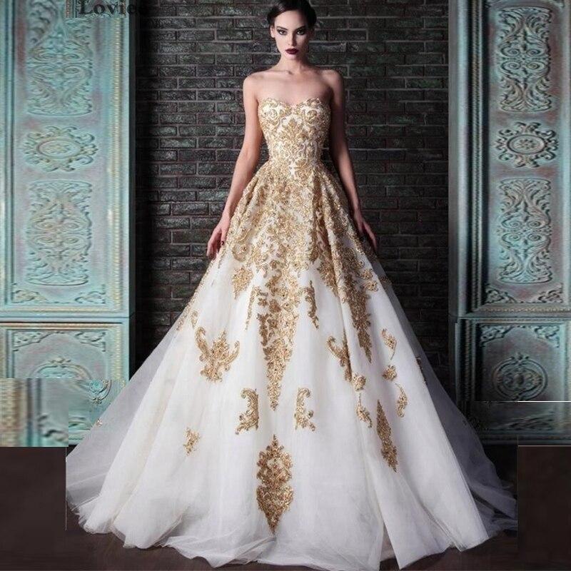 Платье с золотыми погонами вечернее