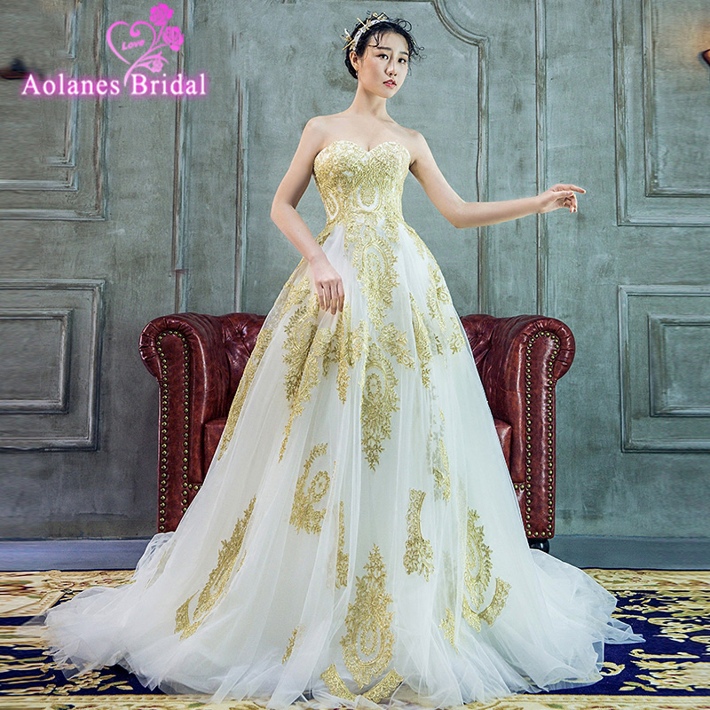 Indian Wedding Gowns: 2018 Luxury Indian Wedding Dresses White Gold Applique