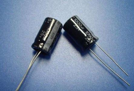(50piece) 100% New 1000UF25V Electrolytic Capacitor 1000UF/25V 1000UF 25V 10x17mm Original IC Chip Chipset BGA In Stock