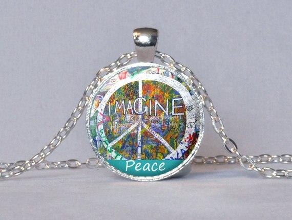 Love /& Peace John Lennon Ladies T-Shirt Rainbows