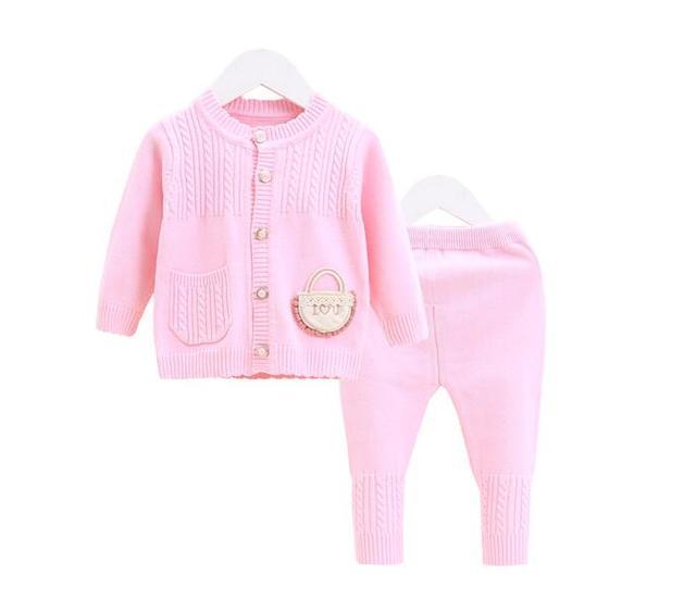 Children's fashion sweater in 2018, baby soft skin-friendly sweater baby cardigan sweater   a newborn's cardigan.