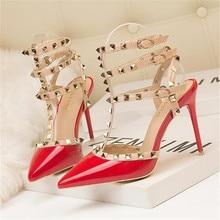 цена Women high heels dress shoes party fashion rivets girls sexy pointed toe shoes buckle platform pumps wedding shoes black white в интернет-магазинах