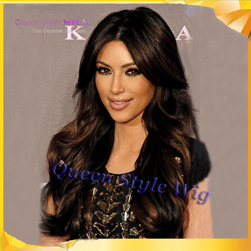 Celebrity Kim Kardashian Peinado Ombre Dos Tonos de Color Mirada Premier  Con Encanto 24 Pulgadas de Largo Ondulado Pelo Sintético Peluca Del Frente  Del ... b108ab67964b