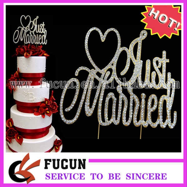 Top 10 Wedding Cake Suppliers In Melbourne: Free Shipping 10pcs/lot 12*13.5CM Gold Metal Just Married
