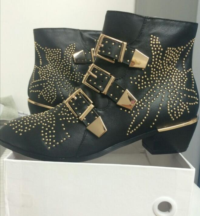 Sexy moda remaches Susanna tachonado cuero hebilla tobillo botas mujeres gatito tacones zapatos de invierno tachonado tobillo botas para mujer - 4