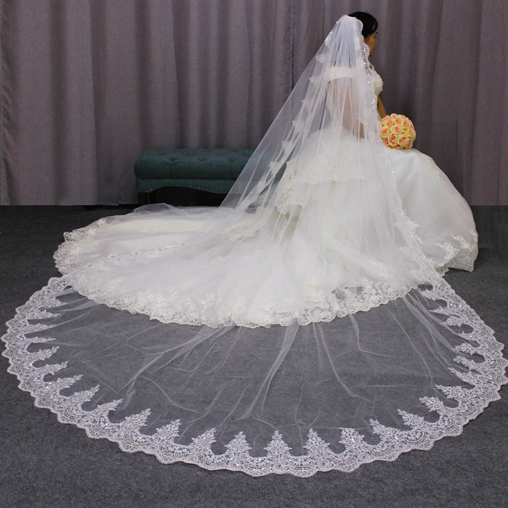 Sparkling Sequined Lace 3*3 Long Bridal Veil One Layer 3 Meters Cathedral Wedding Veil With Comb Custom Made Bride Veils