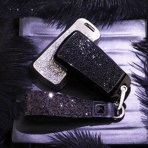 Image 2 - Diamante caso capa chave do carro para audi a4 b9 q5 q7 tt tts 8s 2016 2017 corrente chaveiro para meninas presentes femininos cristal artificial