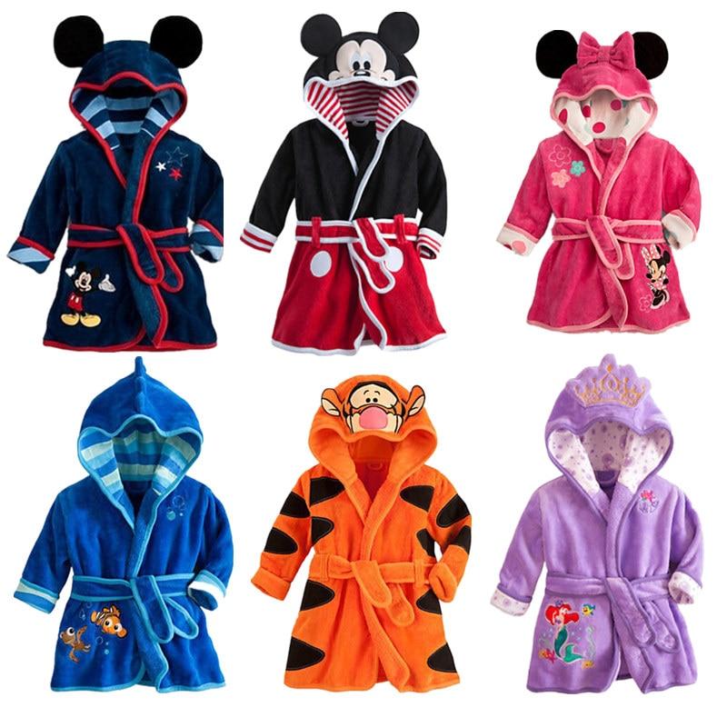 Cute Kids Robe Flannel Long Sleeve Baby Boys Girls Robes Bathing Robes Sleepwear Cartoon Animal Hooded Bath Robes Baby Clothes