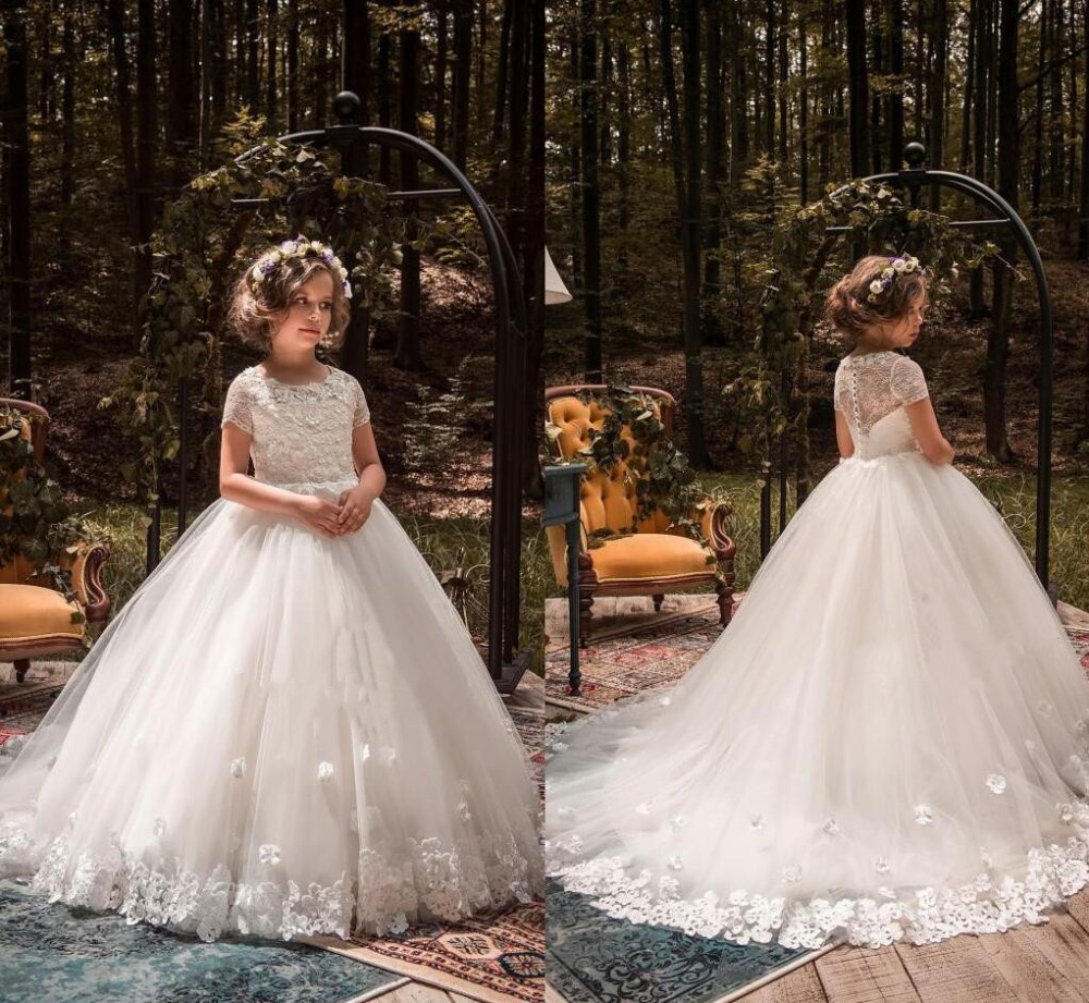 Vintage Lovely   Flower     Girl     Dresses   with 3D Floral Appliques Floor Length   Girls   Pageant   Dress   Short Sleeves First Communion Gown
