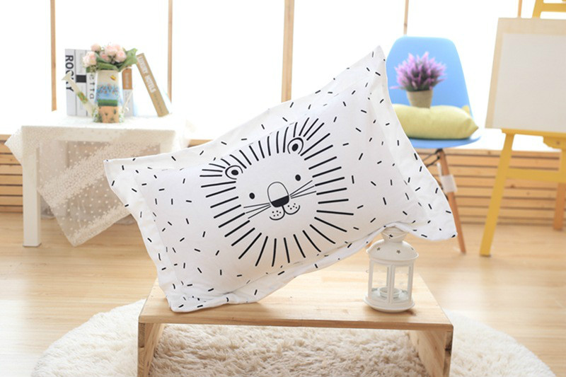 ⓪Almohada para bebes dibujos animados León patrón blanco y negro ...