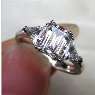 TR239 Luxury NSCD Synthetic  Gem Hot Celebrity Engagement Rings For Women! 3carat 3 Stone 2 Trillion Cut Side StonesTR239 Luxury NSCD Synthetic  Gem Hot Celebrity Engagement Rings For Women! 3carat 3 Stone 2 Trillion Cut Side Stones