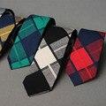 La moda de Nueva Casual Tie Classic Para Hombre de la Tela Escocesa Corbata Del Novio de La Boda Trajes de Negocios Delgado Diseño de La Raya Corbata de Marca Accesorios de Ropa