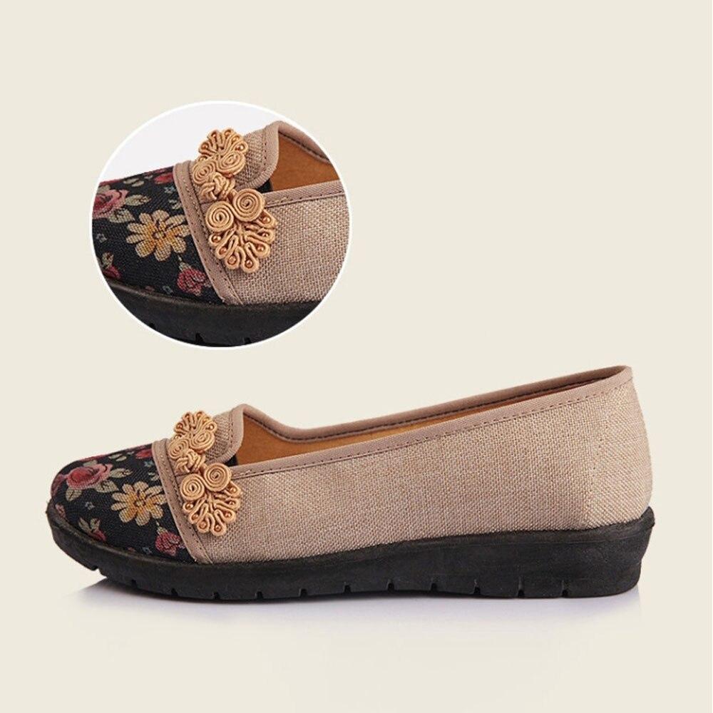 Women Shallow Broken Flower Round Toe Anti Skidding Cloth Shoes Casual Shoes 2018 New women casual flat shoes woman terlik 19