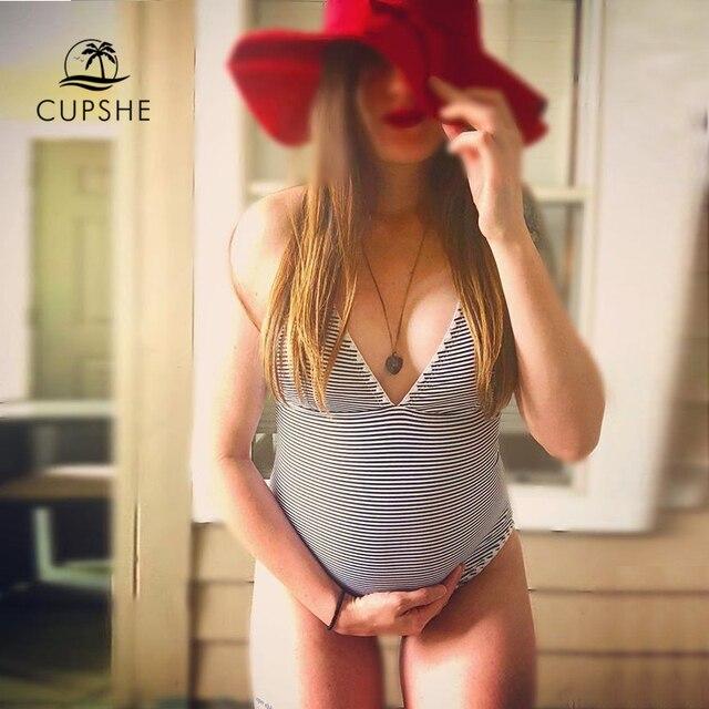 0f5b9d4a16 CUPSHE Simple Living Striped One-piece Swimsuit Women Sexy Deep V neck  Cross Monokini 2018