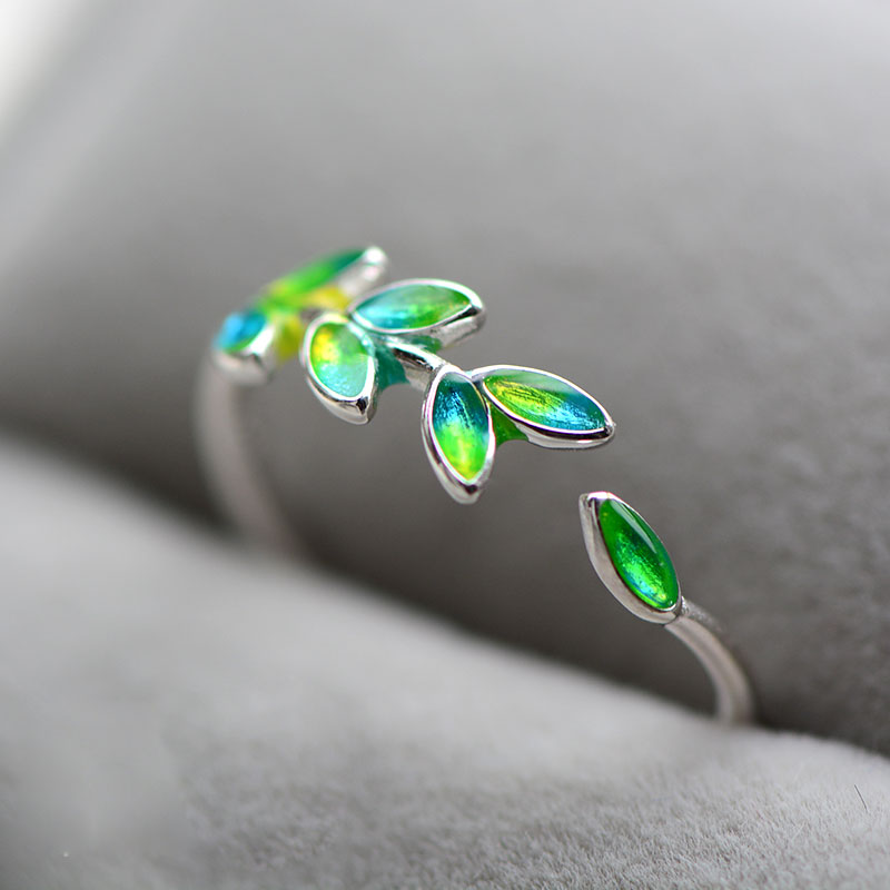 2019 Enamel Green Olive Branch Leaves Open Rings For Women Creative Lady Fashion Adjustable Jewelry Peaceful Leaves Emerald Ring