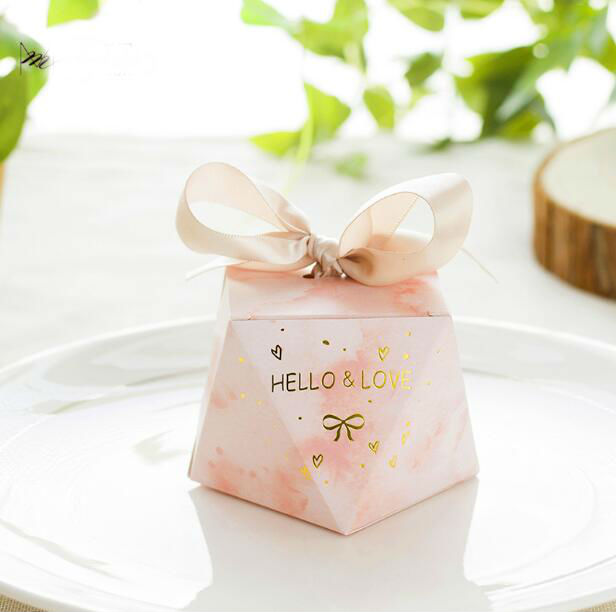 100pcs Creative Pink Diamond Shape Wedding Favors Candy Box Chocolate Boxes Party Supplies Thank you Gift
