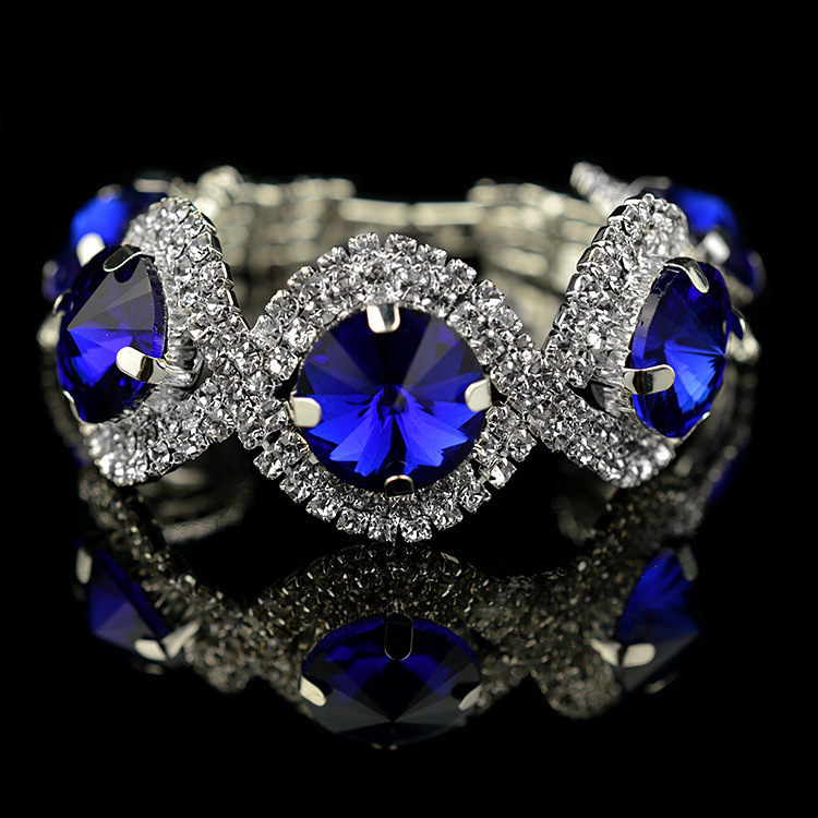 Free Shipping 2017 New Personality Fashion Jewelry Round Large Crystal Wide Chain Royal Blue Bracelet For Women In Link Bracelets From