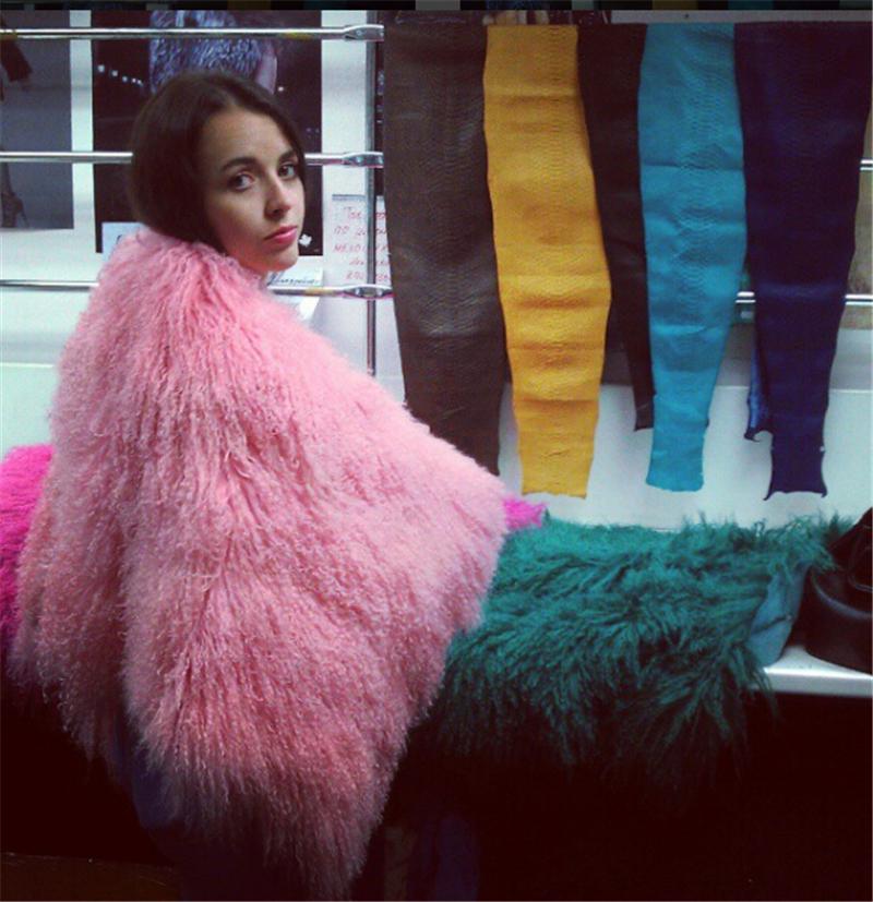 Women-s-Luxury-Real-Lamb-Fur-Coats-and-jackets-Fall-Winter-natural-Beach-sheep-Fur-coats (2)