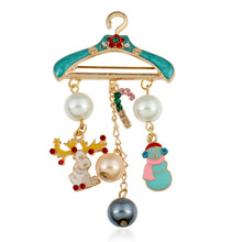 Brooch Pins Christmas Hanger Snowman Tassel Elk Cute Brooches Lovely Candy Broches Jewelry For Gift